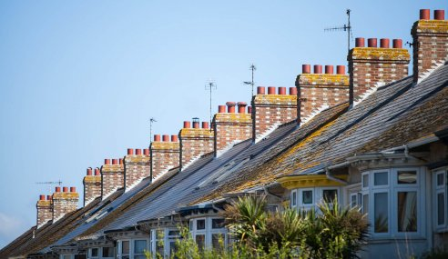 27 million UK homes are primarily heated by fossil fuels, representing 13% of the UK's carbon footprint