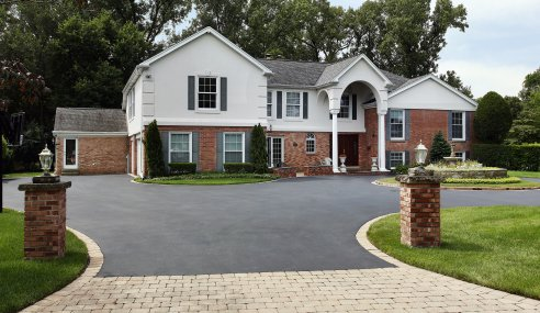 Asphalt vs Concrete Paving: Which Is The Better Option For My Driveway?