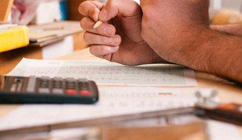 Invoice Factoring In Construction: How Does It Work?